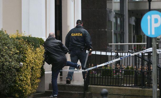 Regency-hotellissa tapahtunut asehyökkäys on järkyttänyt koko Irlantia.