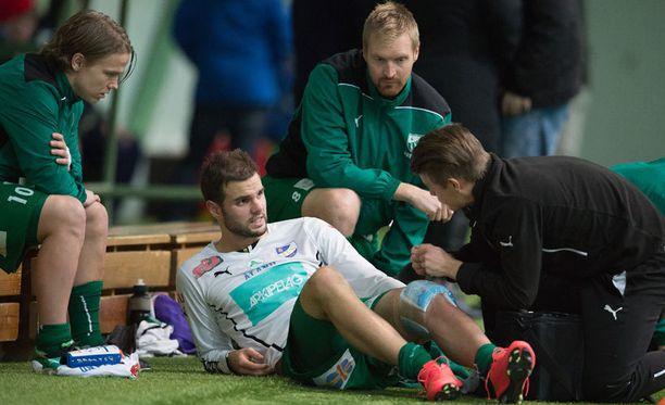 IFK Mariehamnin Aleksei Kangaskolkka loukkaantui HIFK:ta vastaan.