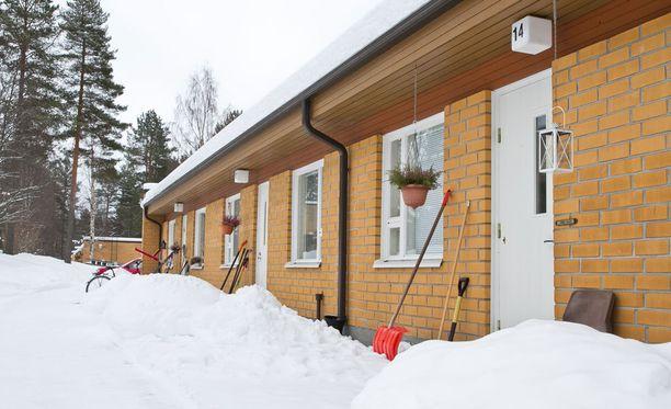 28-vuotiaan joensuulaisen miehen epäillään surmanneen äitinsä rivitaloasunnossa Lieksassa.