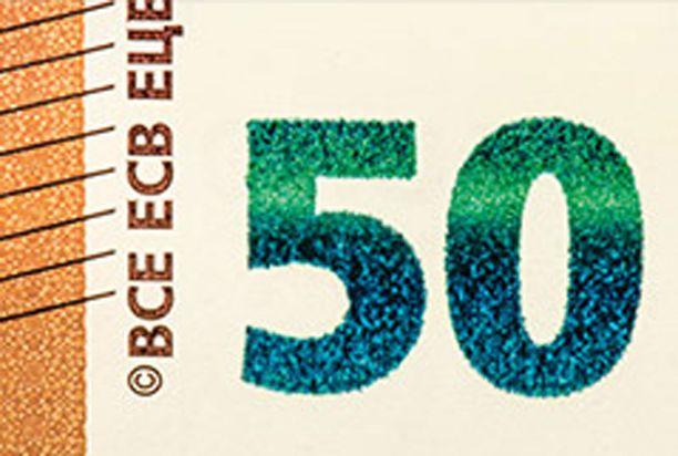 Lisäksi setelin etusivulla on hohtavanvihreä numero, joka vaihtaa kallisteltaessa väriä smaragdinvihreästä tummansiniseen.