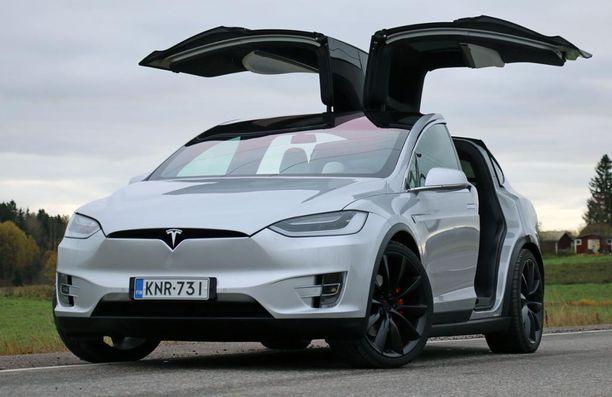 22. Tesla Model X:n tunnistaa lokinsiivistään.