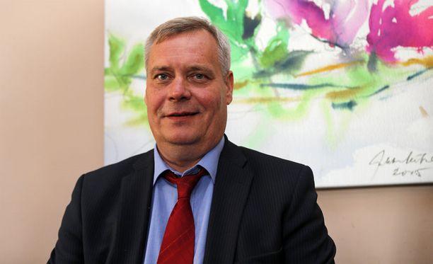 Atti Rinne pitää sosiaali- ja terveysministeri Laura Rädyn verokikkailua moraalisesti arveluttavana.