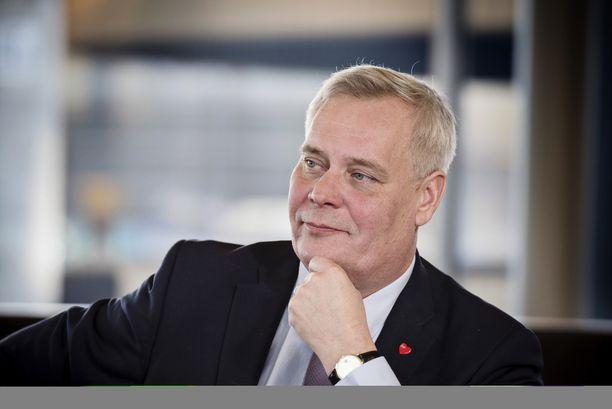 """SDP:n puheenjohtaja Antti Rinne on sanonut lakkauttavansa sopeutumiseläkkeet """"vaikka heti""""."""