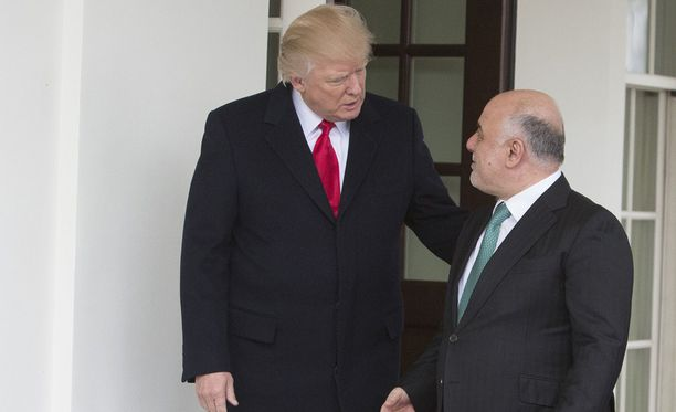 Donald Trump tapasi Irakin pääministerin Haider al-Abadin Valkoisessa talossa maanantaina.