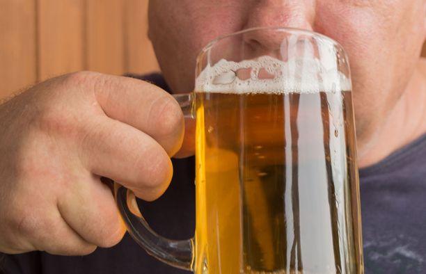 Ikääntyvillä alkoholin riskikäyttö liittyy usein mielialaan. Alkoholilla lievitetään tyypillisesti yksinäisyyden, ahdistuksen ja masennuksen tunteita.