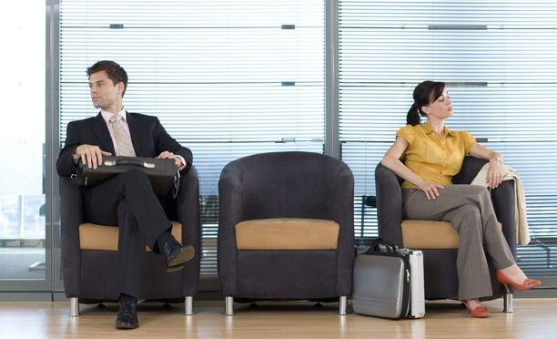 Työmarttyyrin kanssa kilpaileminen ei yleensä johda hyvään lopputulokseen.