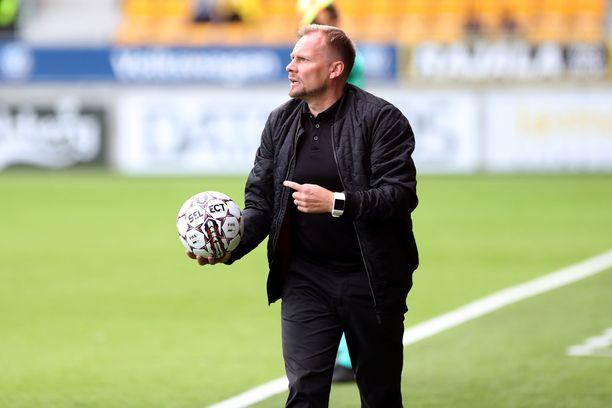 Toni Korkeakunnas sai potkut FC Lahdesta.