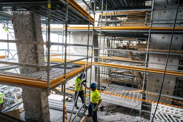 Pellervon taloustutkimuksen mukaan Suomen talouden kasvu on ollut investointivetoista, mutta painotus on ollut vahvasti rakentamisessa, varsinkin asuntorakentamisessa. Aineettomat investoinnit, eli pääasiassa tutkimus- ja kehitysinvestoinnit, ovat olleet laskusuunnassa jo useiden vuosien ajan.