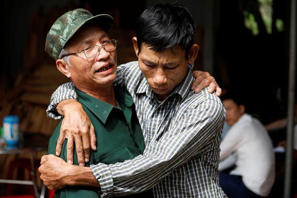 Uhrien omaiset pelkäsivät pahinta jo ennen virallista tietoa kuolemista.