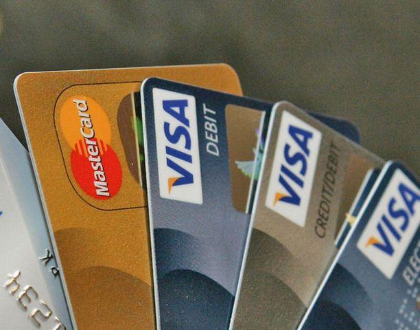 Kopiointilaite varastaa tunnusluvun ja tiedot kortin magneettinauhalta.