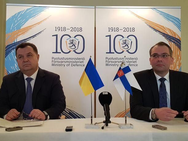 Ukrainan puolustusministeri Stepan Poltorak ja Suomen puolustusministeri Jussi Niinistö pitävät YK:n rauhanturvaoperaatio Itä-Ukrainaan hyvänä vaihtoehtona.
