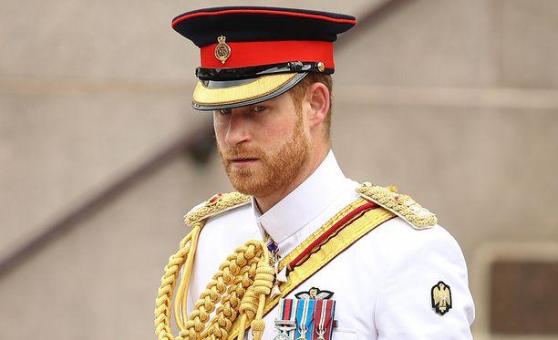 Prinssi Harry sai uusnatsiteineiltä uhkauksia.