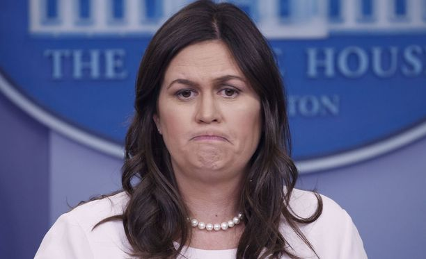 Valkoisen talon lehdistösihteeri Sarah Sanders harkitsee työpaikan vaihtoa.