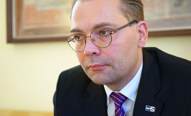 Niinistö kuuli puolustusministerien sopimuksesta ensi kertaa tänään.
