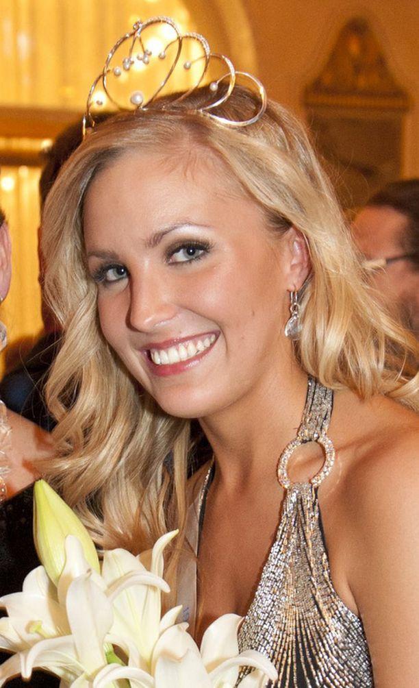 Niina Lavonen nousi missisääntöjen mukaan ensimmäiseksi perintöprinsessaksi.