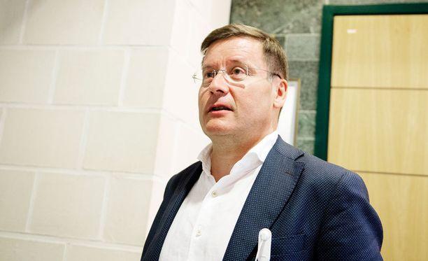 Gummerus Kaarle oli Seinäjoen teinimurhasta epäillyn asianajaja. Hän tienasi viime vuonna ansiotuloja 292 192 euroa.