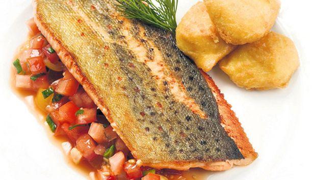 Annoksen valmisti keittiöpäällikkö Juha Pokka, Panimoravintolakoulu, Turku.