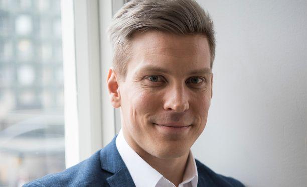 Antti Holman elämä ei muuttunut syöpädiagnoosin myötä.