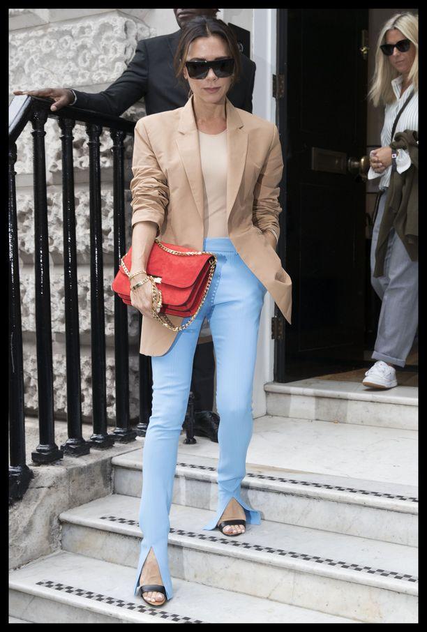 Victoria Beckham Lontoon muotiviikoilla 16. syyskuuta.