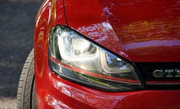 Suomessa suosittiin tammikuussa muun muassa Volkswagen Golf -mallia.