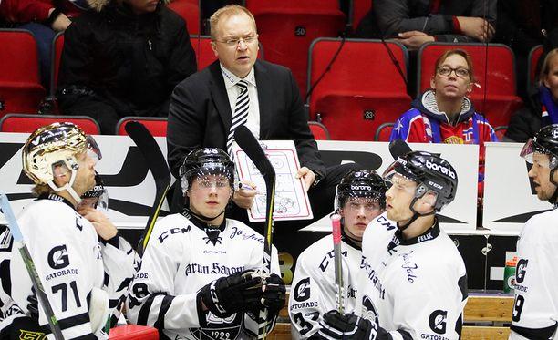 Tulokasvalmentaja Kalle Kaskinen on tehnyt TPS:n penkin takana erinomaista työtä.