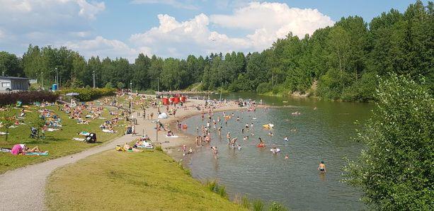 Onnettomuus tapahtui uimapaikan eteläpäädyssä. Kaupungin mukaan paikassa on yli kaksi metriä syvää ja syvimmillään neljä metriä vettä.