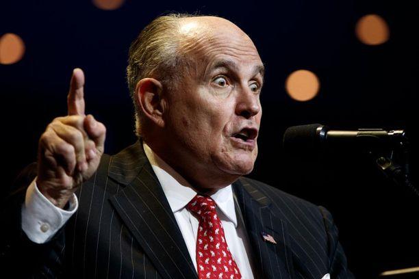 Rudy Giuliani laittoi kaiken likoon Trumpin puolesta ja palasi takaisin eturiviin.