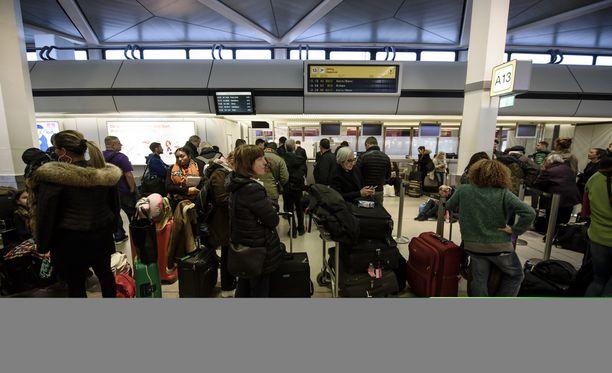 Edellinen työnseisaus pysäytti Berliiniin tulevan lentoliikenteen lähes täysin.