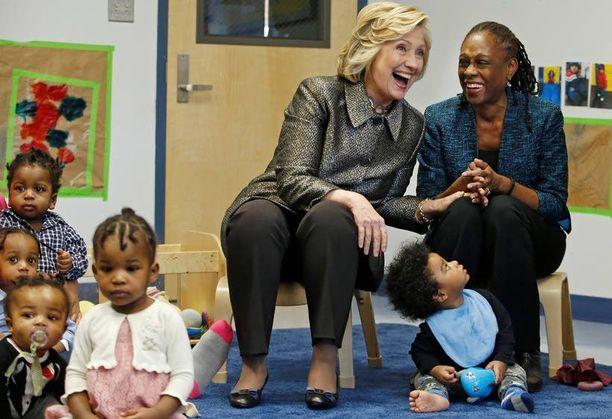 Yhdysvaltojen ulkoministerinä ja New Yorkin senaattorina toiminut Hillary Clinton tähtää seuraavaksi presidentiksi.