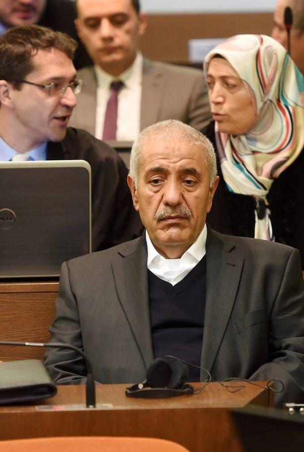 Uusnatsien yhden uhrin vanhemmat Ismail Yozgat ja Ayse Yozgat seurasivat oikeudenkäyntiä Münchenissä.