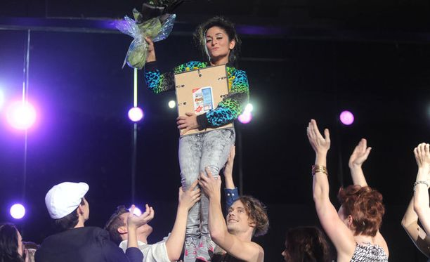 Tuore Dance-voittaja nousi kevyesti ilmaan.