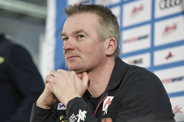 Matti Haavisto jatkaa maajoukkueen johtajana.