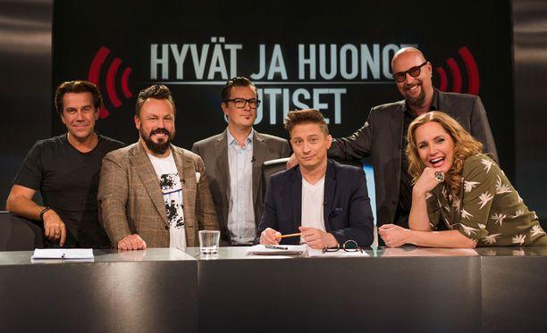 Panelistit puivat muun muassa pornon ymärillä pyörivää uutista.