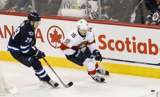 Patrik Laine ja Aleksander Barkov ovat Suomen kirkkaimpia NHL-tähtiä.