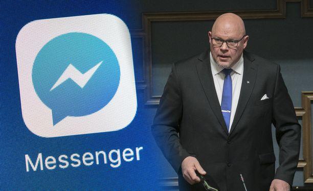 Kuvassa perussuomalaisten ensimmäisen kauden kansanedustaja Ano Turtiainen.