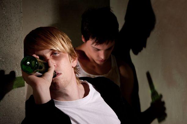 Alkoholin käyttö saattaa olla kehittyville aivoille haitallisempaa kuin aiemmin on tiedetty.