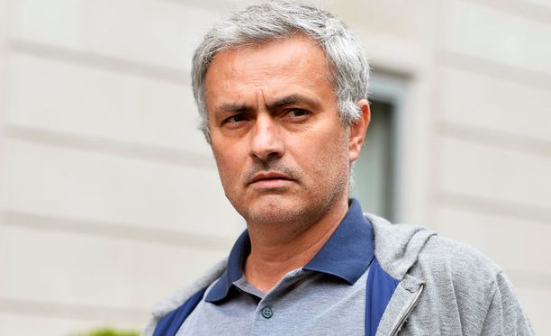 José Mourinho muuttaa Manchesteriin.