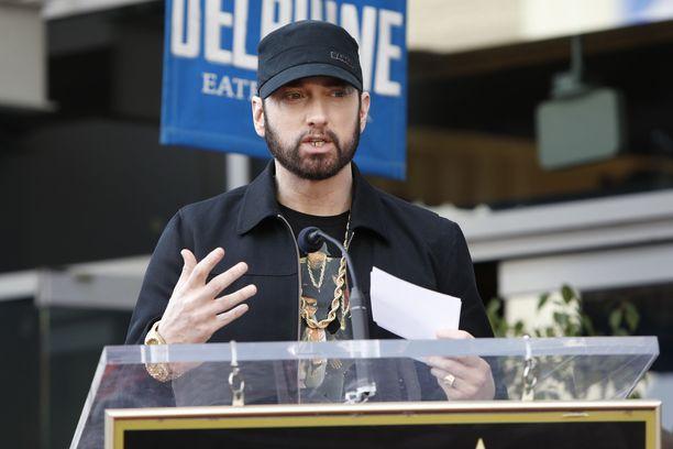 Fanit uskovat, että väite Eminemin kuolemasta on tekaistu.