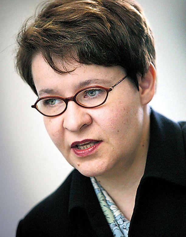 Työministeri Tarja Filatovin vastuulla on siviilipalvelun kehittäminen.