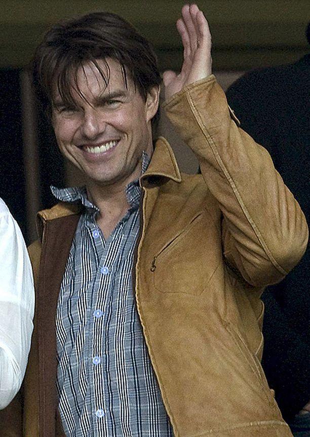 Tom Cruise matkalla jalkapallomatsiin syksyllä 2009.