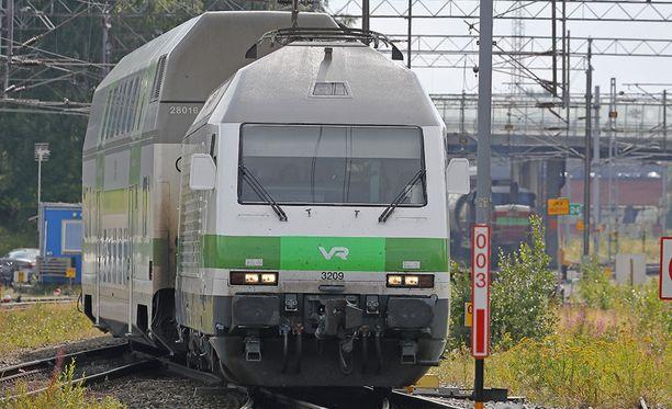 Junaliikenne meni poikki Seinäjoen ja Parkanon välillä hirvikolarin takia torstaina illlalla. Kuvituskuva