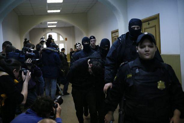 Dadajevin kerrotaan olevan ainut epäillyistä, joka on toistaiseksi tunnustanut teon.