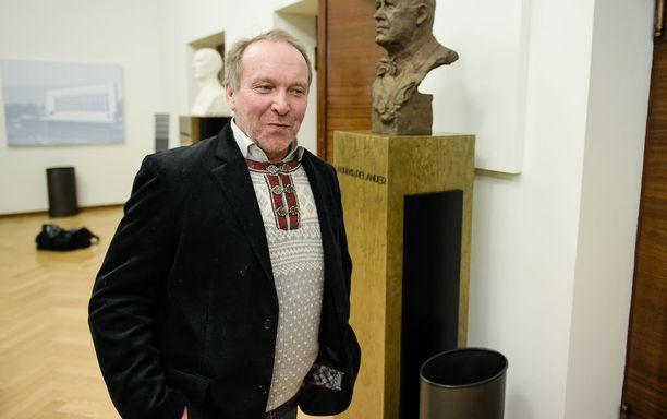Teuvo Hakkarainen väläytti erikoista keinoa raiskausten estämiseksi.