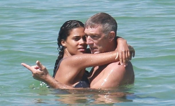 Vincentin ja Tinan suhteen alkutahditkin lyötiin lomatunnelmissa. Silloin he olivat Ibizalla, nyt Brasiliassa.