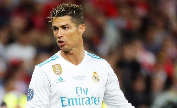 Cristiano Ronaldo on puheidensa perusteella suuntaamassa pois Realista.