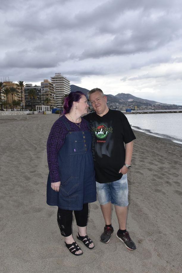 Aki ja Heli ovat nauttineet Espanjan lämmöstä. Syksyllä säätila on vaihdellut helteestä rankkasateisiin.