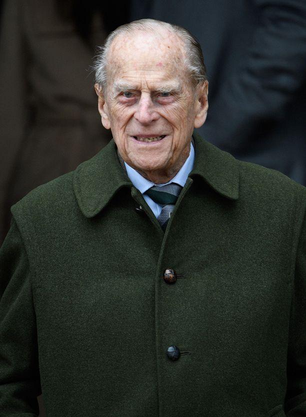 96-vuotias prinssi Philip nähtiin pirteänä joulukirkossa.
