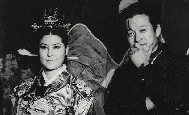 Pariskunta teki Pohjois-Koreassa yli 10 elokuvaa, joissa he saivat toteuttaa melko vapaasti taiteellista kunnianhimoaan.