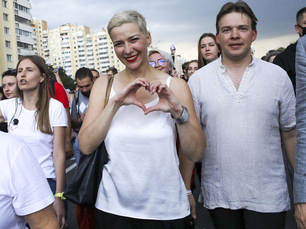 Maryja Kalesnikava ja Maxim Znak mielenosoituksessa elokuun 30. päivänä vuonna 2020.