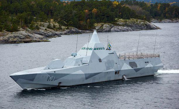 HMS Visby -korvetti osallistui jahtiin sunnuntaina.